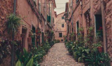 Tour-de-Majorca-town-road-365x215.jpg