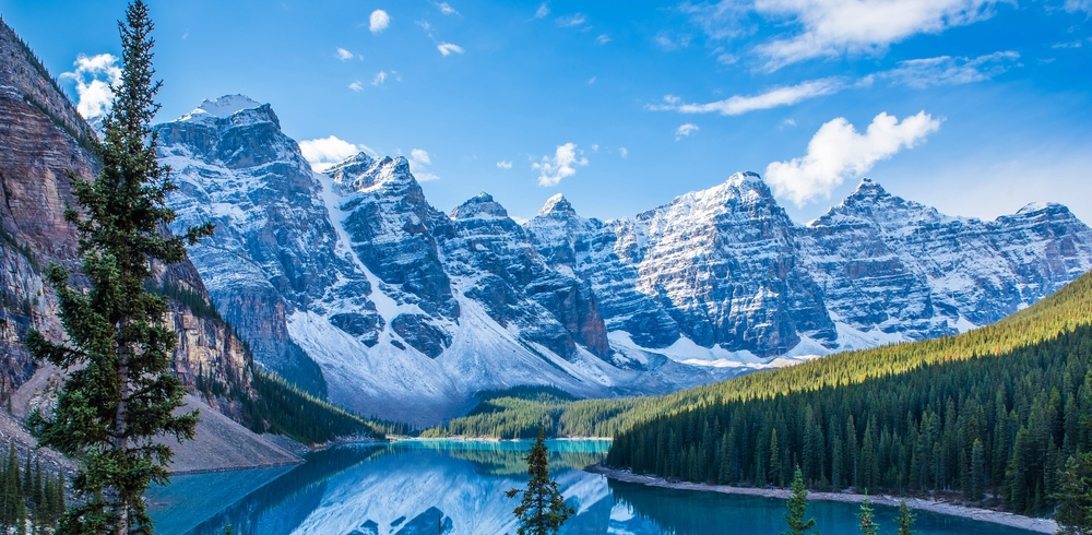 rocky-mountain-cycle-7-things-you-should-know-before-exploring-the-canadian-rockies-during-winter